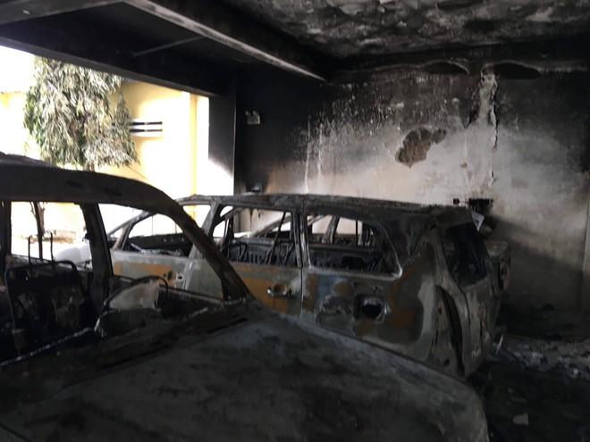 Vụ hàng trăm người đập phá trụ sở UBND tỉnh Bình Thuận: Rất kinh hoàng, không ai tưởng tượng được - Ảnh 4.