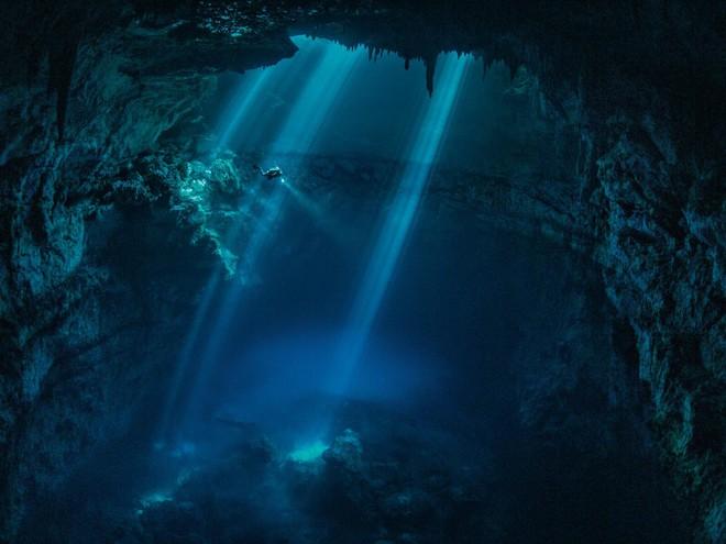 Cuộc thám hiểm kỳ lạ tại giếng thánh của người Maya: Bí mật ngàn năm hé lộ! - ảnh 5