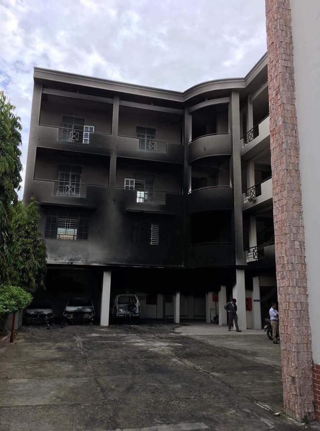 Vụ hàng trăm người đập phá trụ sở UBND tỉnh Bình Thuận: Rất kinh hoàng, không ai tưởng tượng được - Ảnh 7.