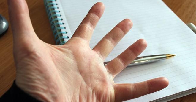 Có vẻ khoa học đã tìm ra lý do vì sao bạn thuận tay trái, và nguyên nhân thực ra không ai ngờ đến - Ảnh 1.