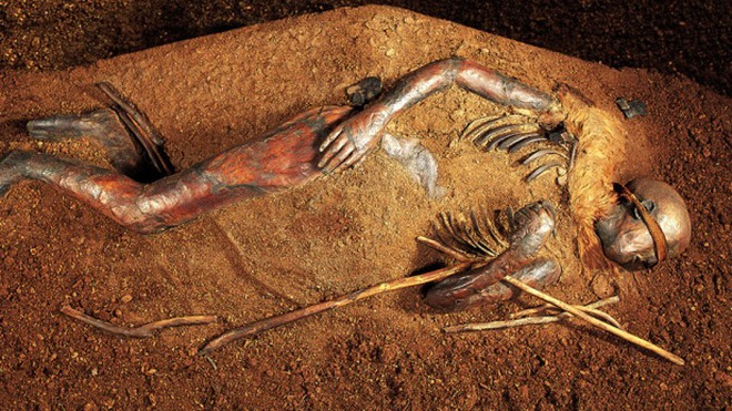 Tollund Man - Bí ẩn xác ướp 2.400 năm tuổi vẫn mỉm cười dù bị treo cổ đến chết - Ảnh 6.