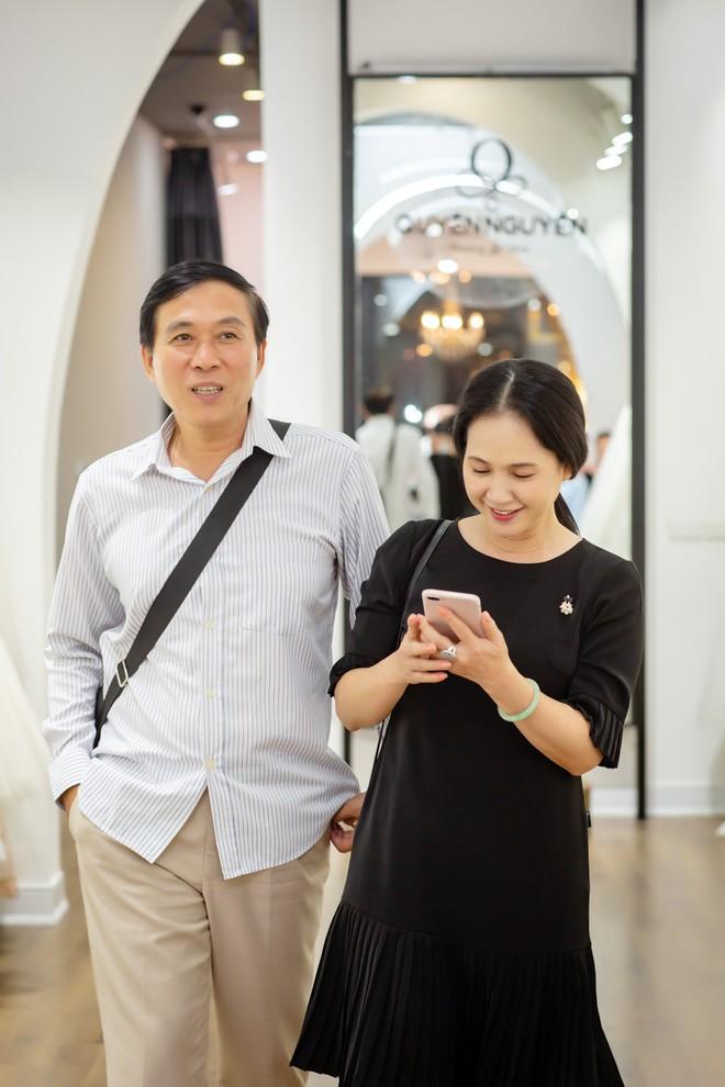 Sau 30 năm chung sống, vợ chồng NSND Lan Hương - Đỗ Kỷ ngày càng tình cảm - Ảnh 4.
