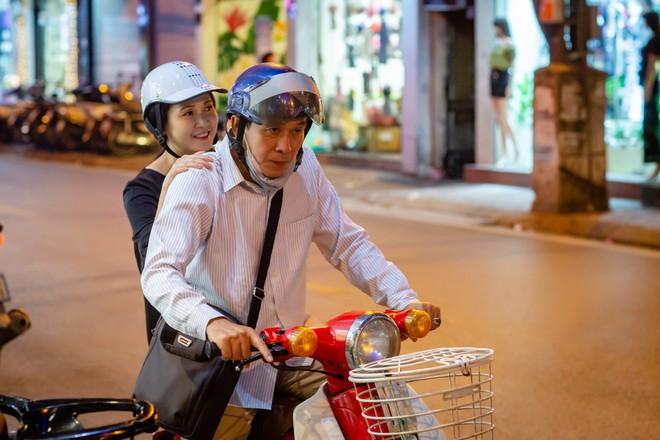 Sau 30 năm chung sống, vợ chồng NSND Lan Hương - Đỗ Kỷ ngày càng tình cảm - Ảnh 1.