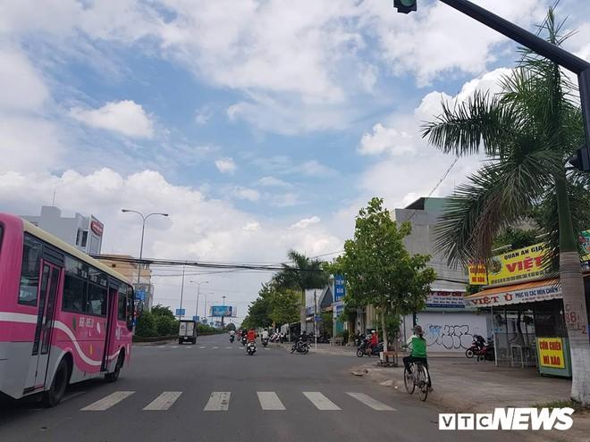 Phó Giám đốc Công an Bình Thuận nói về vụ gây rối: Xăng, gạch đá đã được đặt sẵn - Ảnh 1.