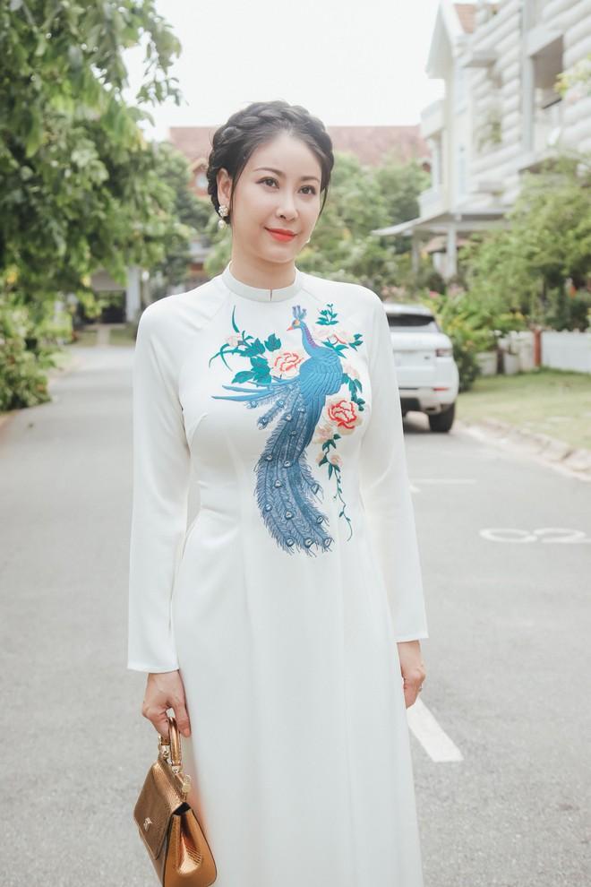 Hà Kiều Anh khoe nhan sắc trẻ đẹp sau 26 năm đăng quang hoa hậu - Ảnh 8.