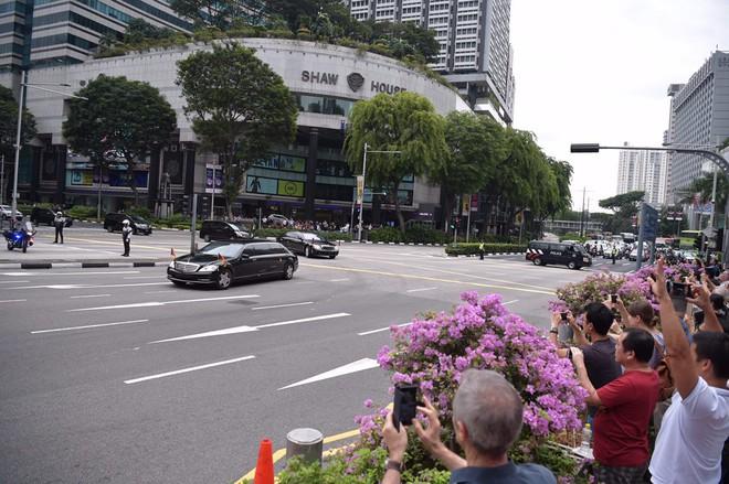 Lãnh đạo Mỹ - Triều rời khách sạn, chuẩn bị họp kín 1-1 trước phiên mở rộng - Ảnh 1.