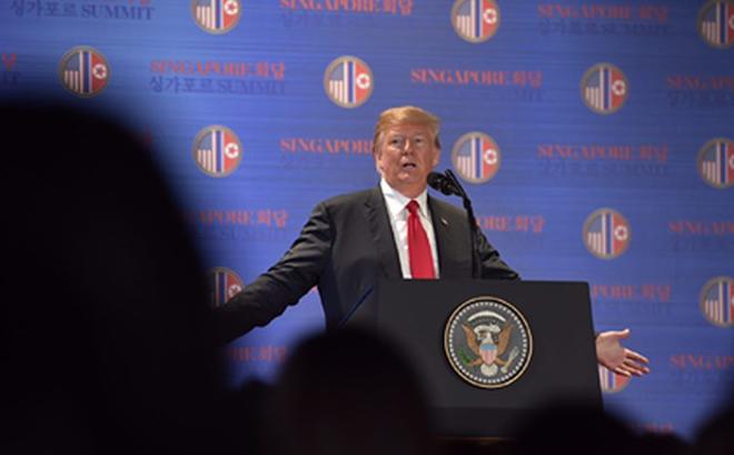 """TT Trump: Ông Kim Jong-un """"cam kết bằng lời nói"""" sẽ phá hủy một bãi thử động cơ tên lửa lớn"""