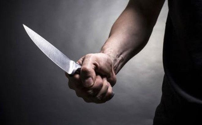 Nam nhân viên sân golf cầm dao đâm nữ đồng nghiệp rồi tự sát