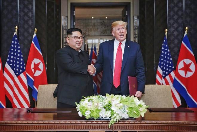Mỹ-Triều ký kết văn kiện vô cùng quan trọng: Quá trình phi hạt nhân hóa sẽ bắt đầu rất nhanh - Ảnh 1.