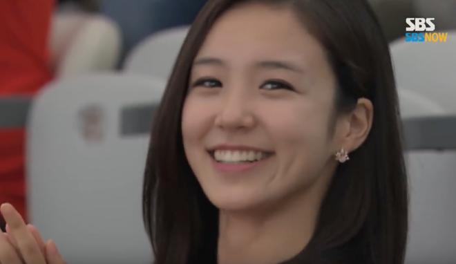 Nữ MC Hàn Quốc có nụ cười đổi đời tại World Cup 2014 giờ ra sao? - Ảnh 3.