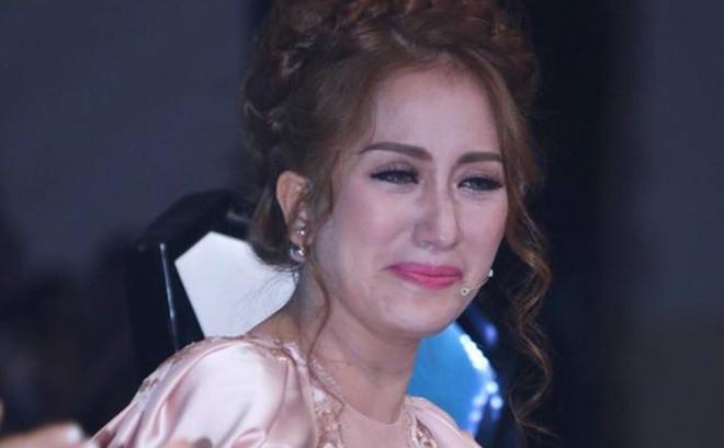 """Đằng sau hôn nhân hạnh phúc của Khánh Thi - Phan Hiển: """"Người ta gọi chúng tôi là vô đạo đức"""""""