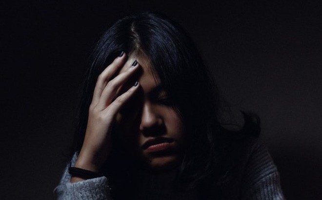 Quyết định ly hôn vì chồng ngoại tình nhiều lần, mẹ bầu bị cả gia đình chồng bắt quỳ xuống xin lỗi