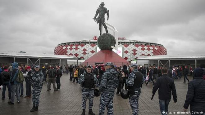 Hệ thống hàng rào phòng thủ chưa từng có của Nga bảo vệ World Cup 2018 - Ảnh 1.