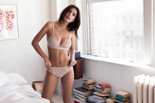 Nữ hoàng bikini Emily Ratajkowski: Cả đời gặp rắc rối vì quá nóng bỏng, xinh đẹp - Ảnh 6.