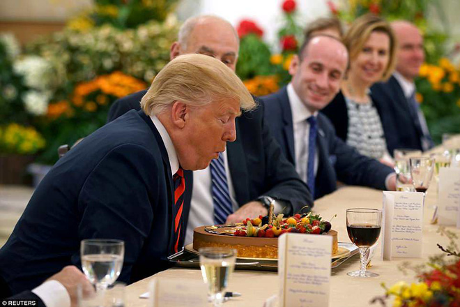 Bước sang tuổi 72, tổng thống Mỹ Donald Trump nghỉ 1 ngày làm việc để đón sinh nhật - Ảnh 1.