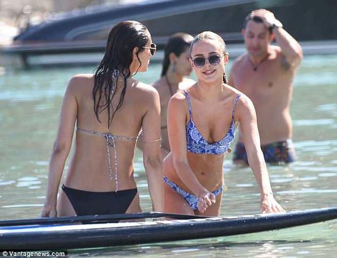 Mỹ nhân bikini Kimberley Garner quyến rũ hút hồn ở Hy Lạp - ảnh 12