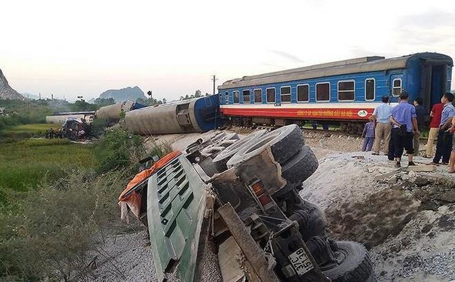 Sau hàng loạt tai nạn đường sắt: Lãnh đạo chỉ tự phê bình