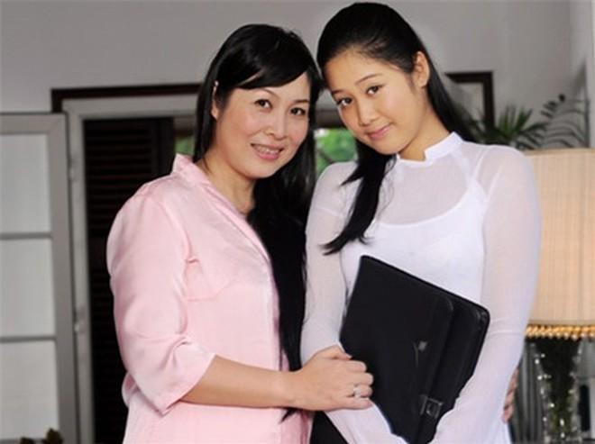 Chân dung con gái cao gần 1m8, có gương mặt xinh như hoa hậu của NSND Hồng Vân - ảnh 8