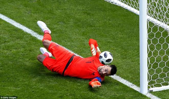 Cần đến 2 'người bạn', Pogba mới giúp tuyển Pháp vật vã bước qua nổi trận khai màn 9