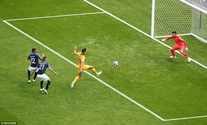 Cần đến 2 'người bạn', Pogba mới giúp tuyển Pháp vật vã bước qua nổi trận khai màn 11