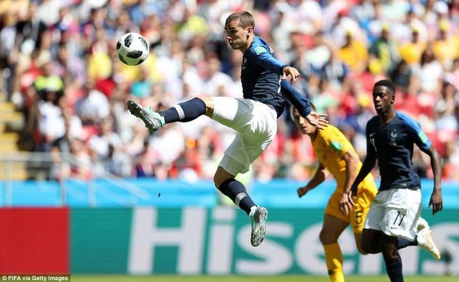 Cần đến 2 'người bạn', Pogba mới giúp tuyển Pháp vật vã bước qua nổi trận khai màn 12
