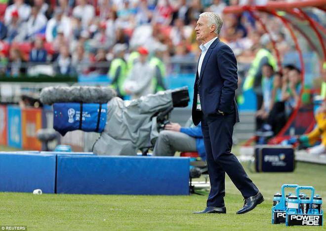 Cần đến 2 'người bạn', Pogba mới giúp tuyển Pháp vật vã bước qua nổi trận khai màn 13