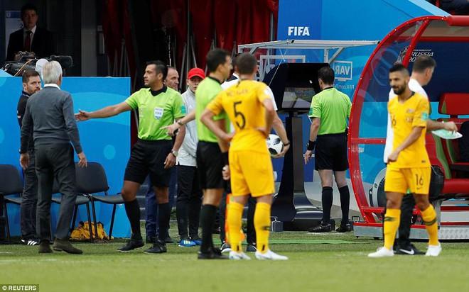 Cần đến 2 'người bạn', Pogba mới giúp tuyển Pháp vật vã bước qua nổi trận khai màn 16