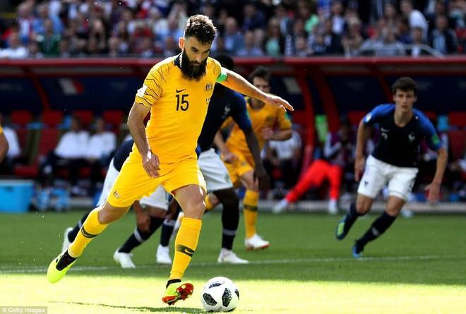 Cần đến 2 'người bạn', Pogba mới giúp tuyển Pháp vật vã bước qua nổi trận khai màn 19