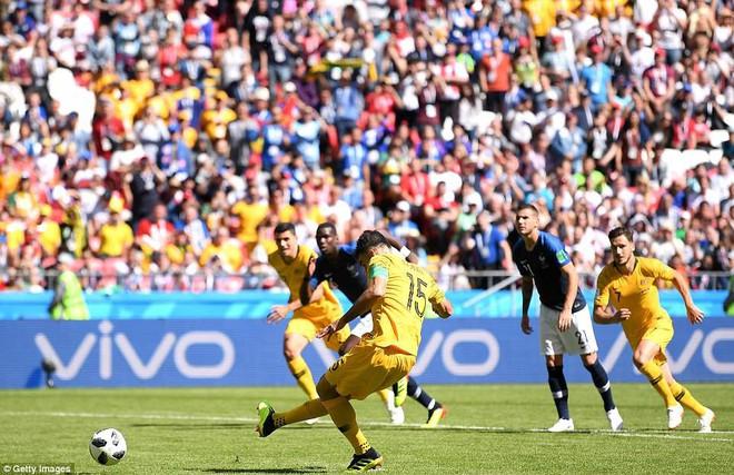 Cần đến 2 'người bạn', Pogba mới giúp tuyển Pháp vật vã bước qua nổi trận khai màn 20