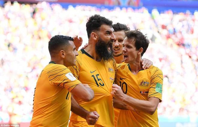 Cần đến 2 'người bạn', Pogba mới giúp tuyển Pháp vật vã bước qua nổi trận khai màn 22