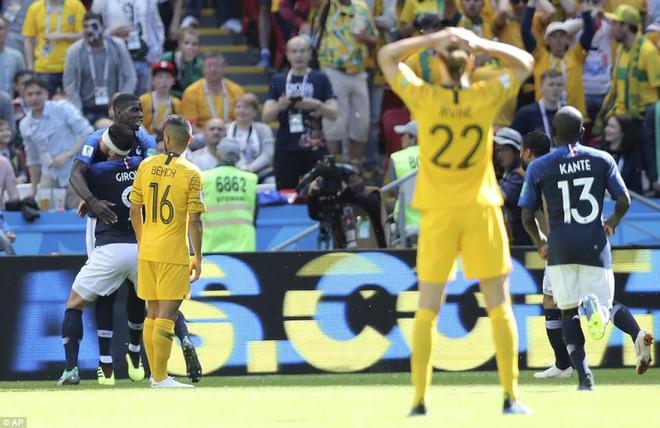 Cần đến 2 'người bạn', Pogba mới giúp tuyển Pháp vật vã bước qua nổi trận khai màn 26