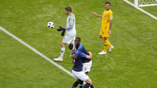 Cần đến 2 'người bạn', Pogba mới giúp tuyển Pháp vật vã bước qua nổi trận khai màn 7