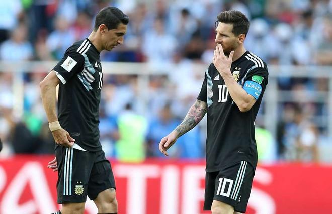 """Hai """"món quà' ý nghĩa khiến Messi nhẹ lòng sau nỗi buồn Iceland 2"""
