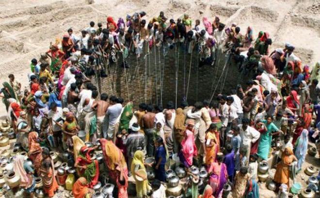 Thấy gì từ bức ảnh đáng sợ ở Ấn Độ?