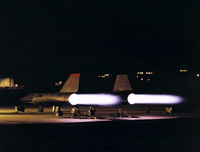Siêu máy bay do thám Mỹ: Thoát hiểm hàng nghìn vụ tấn công tên lửa trong suốt 24 năm - Ảnh 6.