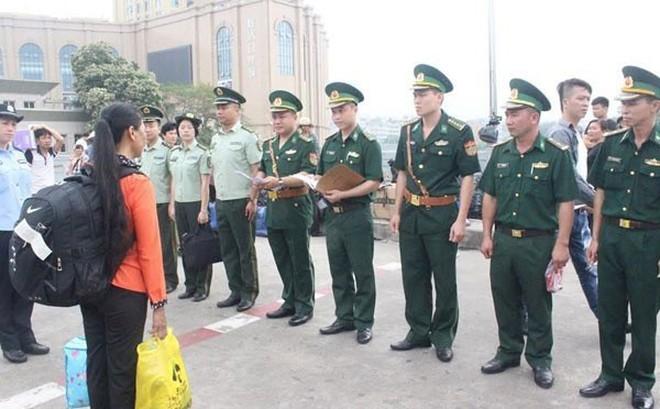 Bỏ thuốc mê vào thức ăn, lừa bán 4 thiếu nữ sang Trung Quốc với giá 30-55 triệu đồng 1