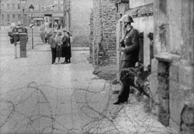 Kết cục cay đắng của người lính Đông Đức: Vượt bức tường Berlin để tìm tự do hay cái chết? - Ảnh 7.