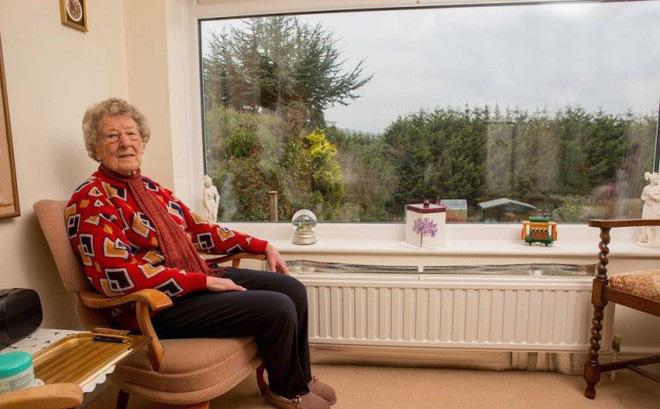 """Định xây nhà mà bị hàng xóm phản đối, cụ bà âm thầm lên kế hoạch trả thù hoàn hảo suốt gần 20 năm, cảnh sát biết chuyện cũng đành """"bó tay"""""""