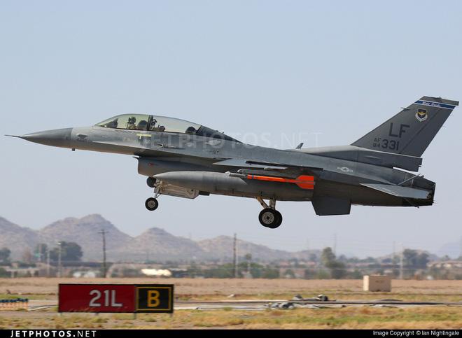 Việt Nam nhận máy bay huấn luyện Mỹ để quá độ lên tiêm kích F-16? - Ảnh 2.