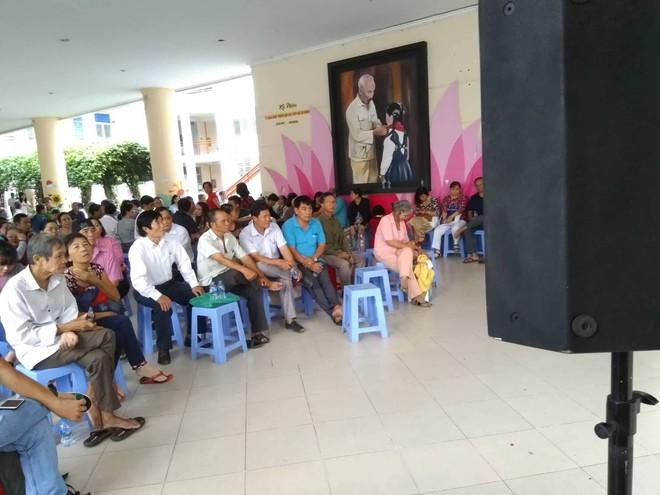 Hàng trăm người đối thoại với Bí thư Nguyễn Thiện Nhân qua hệ thống... loa  - Ảnh 2.