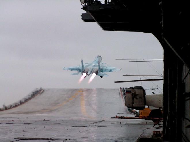 Không quân hải quân Nga đang gặp rắc rối lớn, Trung Quốc có dang tay giải cứu hay không? - Ảnh 2.