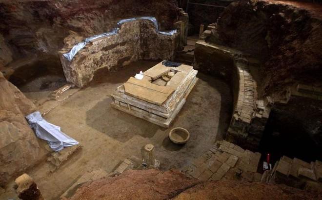 Ngôi mộ nguy hiểm nhất thiên hạ ở TQ, gần trăm tên trộm mò vào nhưng không tìm được lối ra