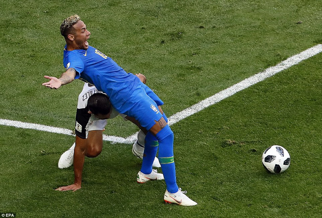 Kiên cường đến tận phút cuối cùng, Costa Rica khiến Neymar khóc như trẻ con khi hết trận 5
