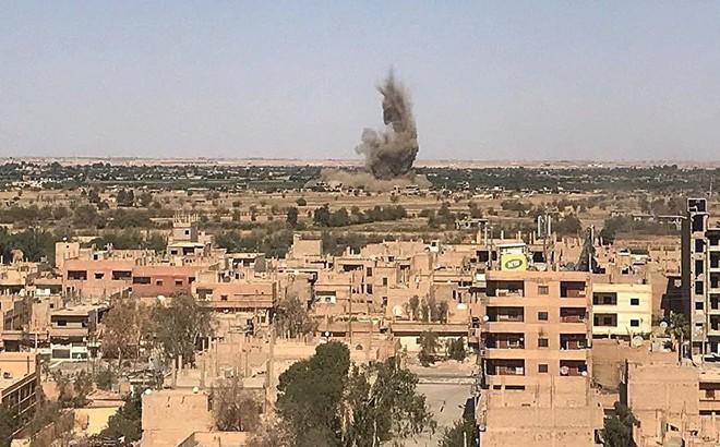 NÓNG: Máy bay liên quân Mỹ tấn công Quân đội Syria, đã có thương vong 1