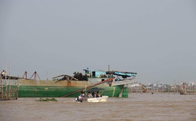 Tìm thấy thi thể đại uý công an mất tích trong vụ tai nạn trên sông Hậu 1
