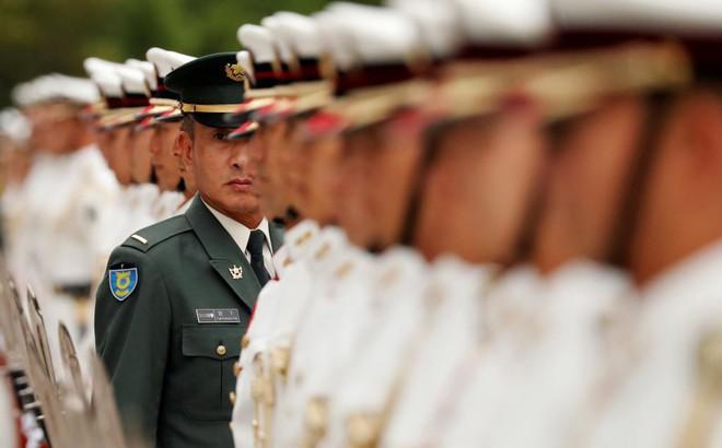 24h qua ảnh: Tiêu binh Nhật Bản chuẩn bị hàng ngũ đón tướng Mỹ