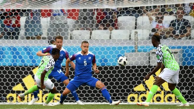 Kiêu hãnh quật ngã Iceland, Đại bàng xanh gieo niềm hi vọng mong manh cho Argentina 2