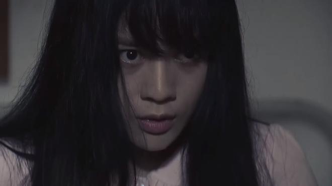 Cảnh tự phá thai trong phim Quỳnh búp bê gây tranh cãi - Ảnh 2.