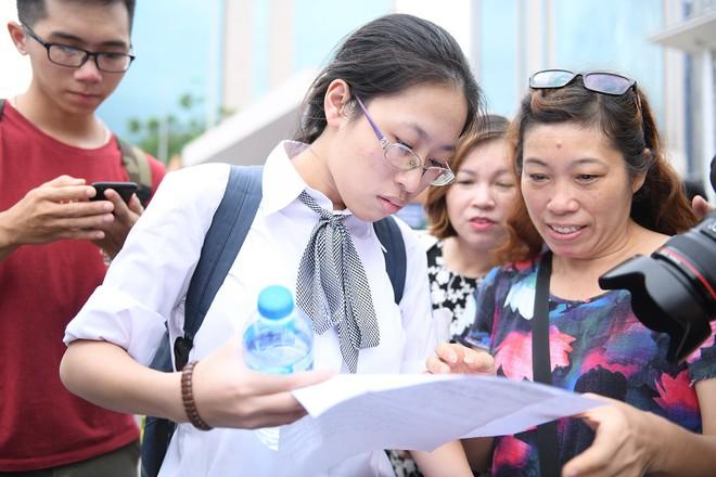 Thí sinh phấn khởi nói đề thi Ngữ văn THPT Quốc gia 2018 không quá khó - Ảnh 4.