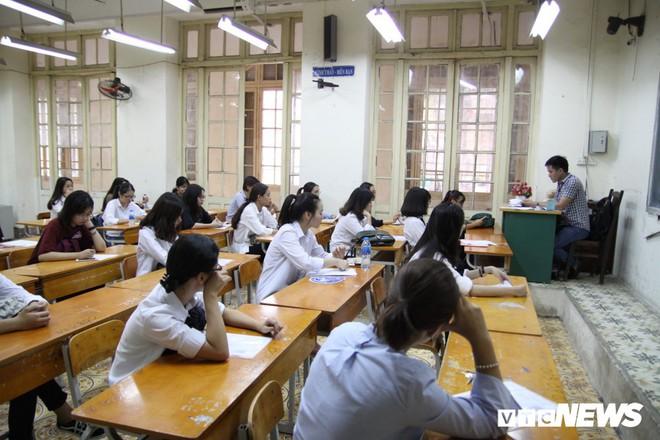 Sáng nay, hơn 900.000 thí sinh dự thi môn Ngữ văn kỳ thi THPT Quốc gia 2018 2